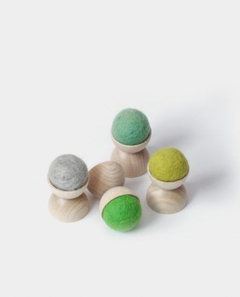 Alma de Alecrim - Loja online - Cabide de parede de madeira e lã feltrada S