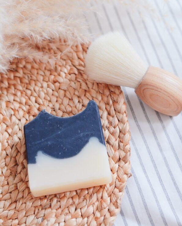 Alma de Alecrim - Sabão de barbear e depilar carvão e cedro