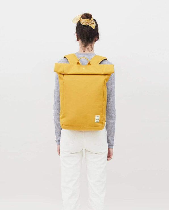 Lefrik - Alma de Alecrim - Loja online - Mochila Roll - amarela costas